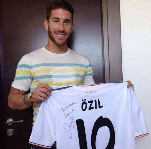 CR7 & Ramos thuyết phục Perez không bán Di Maria - 1