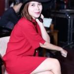 Lưu Hương Giang mặc sexy đi tập hát cùng trò cưng
