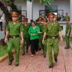 An ninh Xã hội - Vợ bí thư xã đốt xác chủ nợ lại hầu tòa