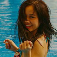 Văn Mai Hương gợi cảm với bikini trên biển