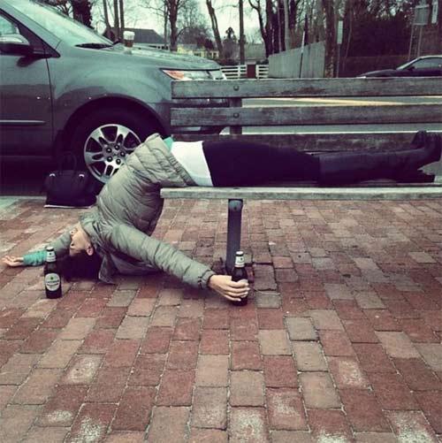Kỳ lạ người đẹp tập yoga ở mọi lúc mọi nơi - 14