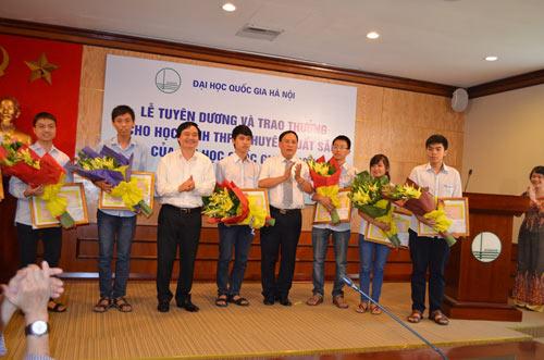 Tuyển thẳng học sinh xuất sắc vào ĐH Quốc gia HN - 1