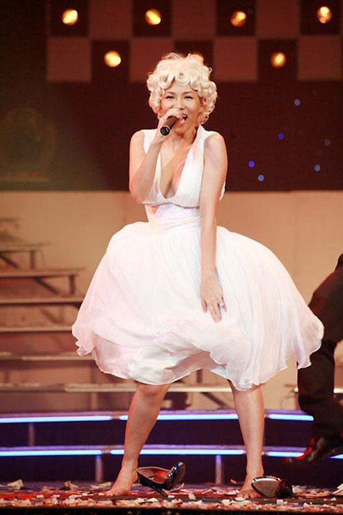 Những màn hóa Marilyn Monroe Việt gây tranh cãi - 11