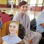 Bạn trẻ - Cuộc sống - Cô gái xinh đẹp người Mỹ xuất gia tại Việt Nam