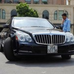 Ô tô - Xe máy - Cặp đôi xe sang Ninh Bình trên đường phố Hà Nội