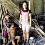 """Tin tức trong ngày - Ba mẹ con sống hoang dã như """"người rừng"""" ở TT-Huế"""