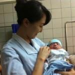 Sức khỏe đời sống - Cứu sống trẻ sơ sinh bị sa dây nhau hiếm gặp