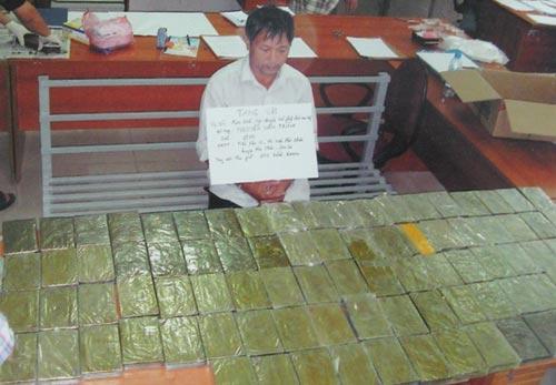 Người tình giúp ông trùm buôn hàng trăm bánh heroin | anninhhinhsu