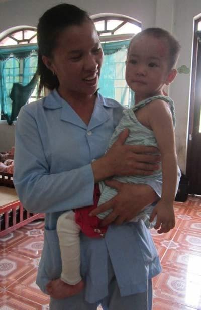 Chùm ảnh: Cuộc sống mới của bé Tâm Anh chùa Bồ Đề - 2