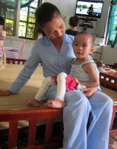 Chùm ảnh: Cuộc sống mới của bé Tâm Anh chùa Bồ Đề - 3