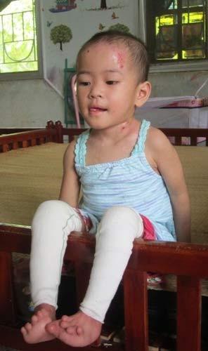 Chùm ảnh: Cuộc sống mới của bé Tâm Anh chùa Bồ Đề - 6