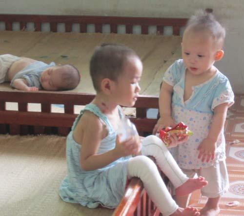 Chùm ảnh: Cuộc sống mới của bé Tâm Anh chùa Bồ Đề - 7