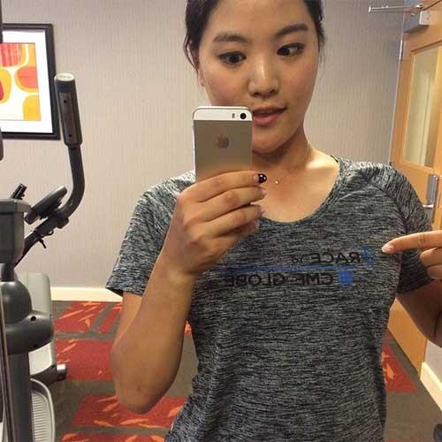 """Kiều nữ sân golf xứ Hàn khoe ảnh """"tự sướng"""" - 4"""