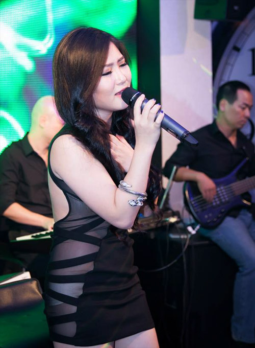 Hương Tràm bị cấm diễn 3 tháng ở Hà Nội - 2