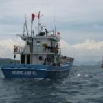 Tin tức trong ngày - Cứu tàu và 13 ngư dân bị nạn ở vùng biển Trường Sa