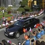 Ô tô - Xe máy - Siêu xe Tổng thống Putin chống đạn khủng cỡ nào?