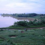 Tin tức trong ngày - Thi thể nam thanh niên không mặc áo trôi trên sông