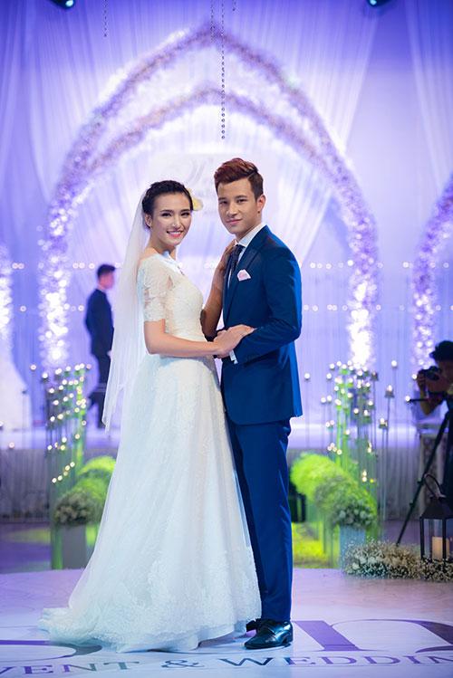 Minh Hằng xinh đẹp ngọt ngào tại Hà Nội - 12