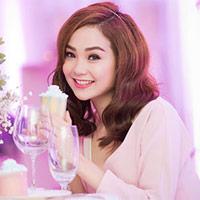Minh Hằng xinh đẹp ngọt ngào tại Hà Nội
