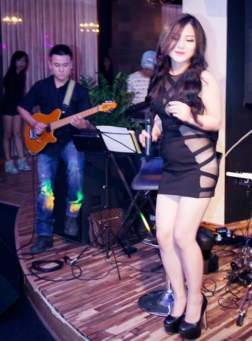 """3 nữ ca sỹ Việt chưa chồng gây """"bão"""" ở bar - 1"""