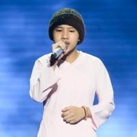 Sốc với những nghi vấn về cô bé quy y hát nhạc Trịnh