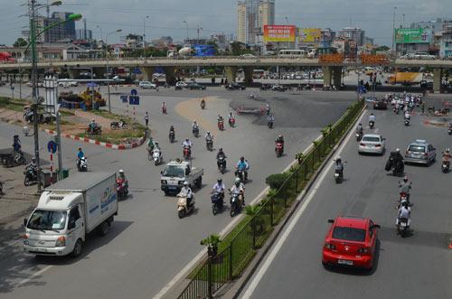 Sau nghỉ lễ 2/9, HN cấm ô tô tuyến Xuân Thủy-Cầu Giấy - 3