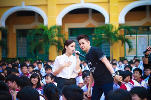 Sơn Tùng thăm trường cũ của Wanbi Tuấn Anh - 12