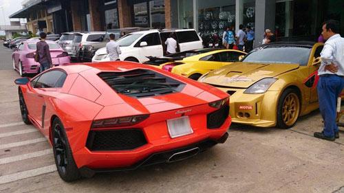 Lamborghini Aventador của Minh nhựa tái xuất ở Sài Gòn - 1