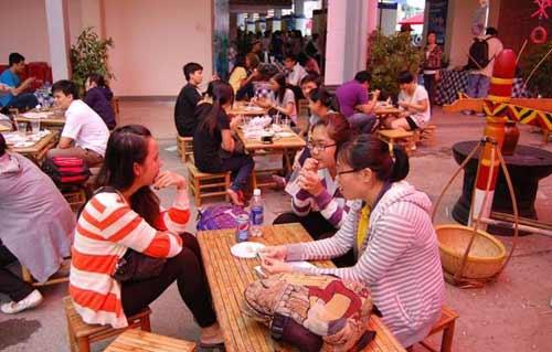 Những chợ phiên độc đáo ở Sài Gòn - 2