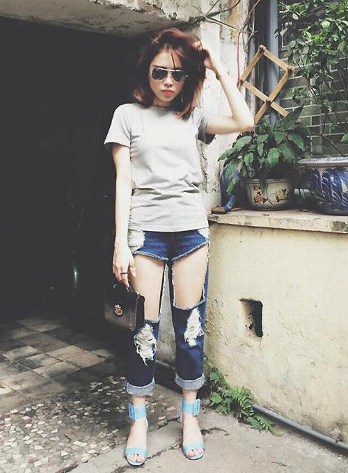 Jeans rách mảng lớn khó mặc vẫn hút sao Việt - 12