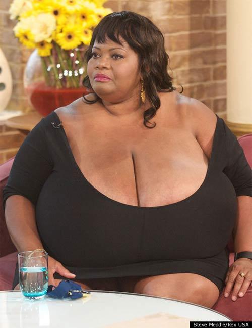 Phụ nữ châu Á có ngực nhỏ nhất thế giới - 2