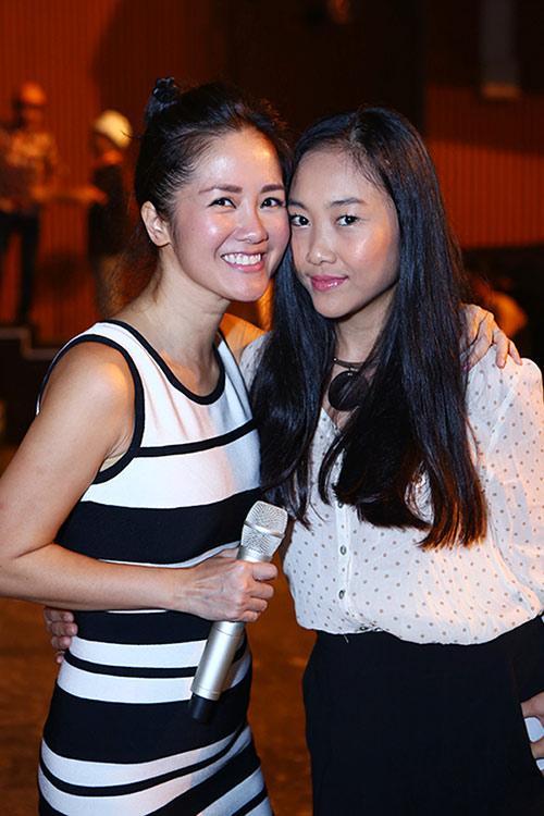 Hồng Nhung, Đoan Trang quyến rũ trong sắc đen trắng - 3