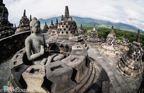 Đền thờ Phật giáo lớn nhất thế giới tại Indonesia - 14