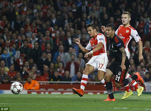 """Arsenal: Khi """"bom tấn"""" Sanchez chứng tỏ giá trị - 1"""