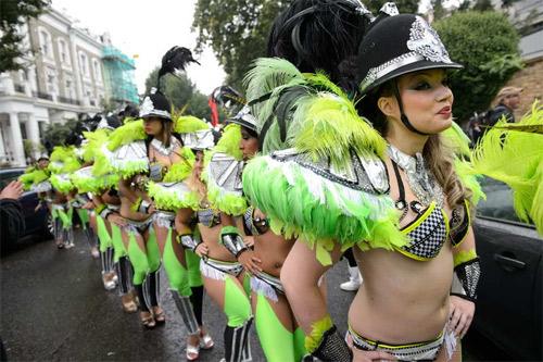 Lễ hội của thời trang và da thịt sôi động tại Anh - 2