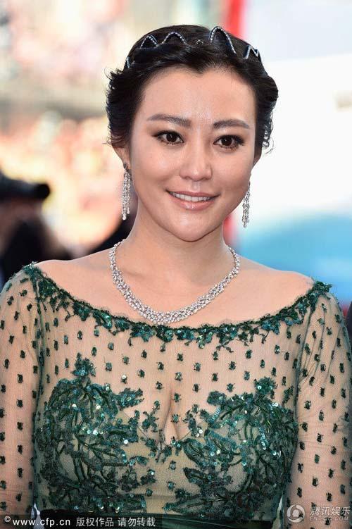 Triệu Vy, Emma Stone nổi bật tại LHP Venice - 2