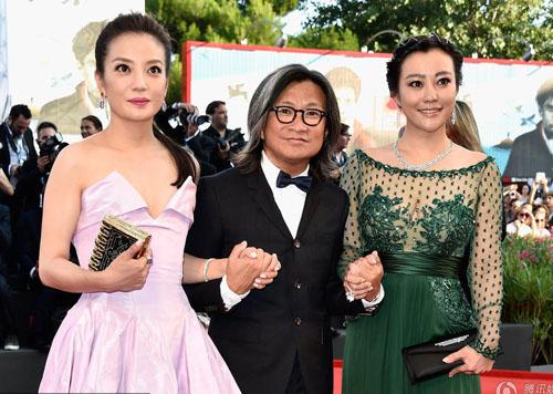 Triệu Vy, Emma Stone nổi bật tại LHP Venice - 3