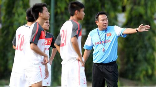 HLV Hoàng Văn Phúc bất ngờ dẫn dắt Quảng Nam - 1