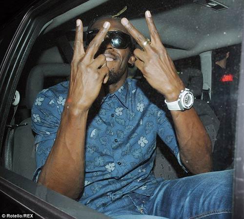 Usain Bolt ăn chơi thả phanh tại London - 2