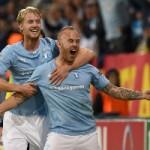 Bóng đá - Pha bắt vô lê siêu dị từ giữa sân ở Champions League