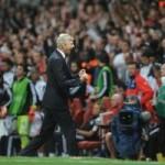 """Bóng đá - Arsenal """"thoát hiểm"""", HLV Wenger thở phào"""