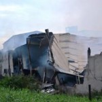 Tin tức trong ngày - Cháy xưởng gỗ, lính cứu hỏa thức trắng đêm dập lửa