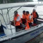 Tin tức trong ngày - Dông đánh chìm tàu chở khách nước ngoài ở vịnh Hạ Long