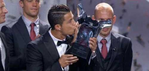 """Cầu thủ số 1 châu Âu: """"Nhà Vua"""" Ronaldo - 1"""