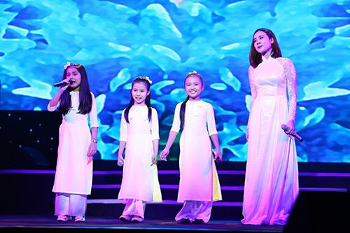 Dàn mỹ nhân Việt duyên dáng hát vì hòa bình - 9