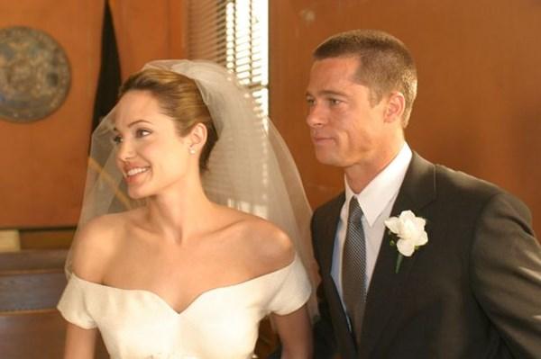 Angelina Jolie và Brad Pitt đã bí mật cưới ở Pháp - 1
