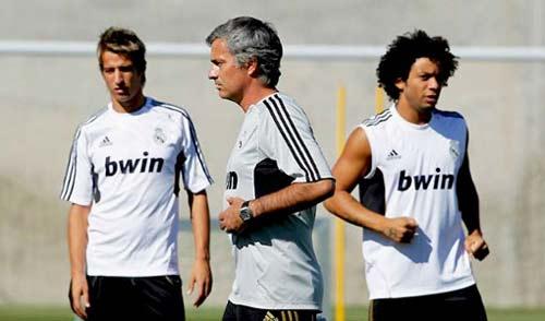 "Thế giới ""huyền bí"" của Jose Mourinho (Kỳ 27) - 1"