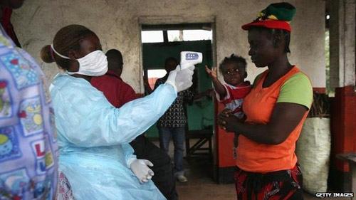 Nỗi ám ảnh của người sống sót trong 'tâm bão' Ebola - 2