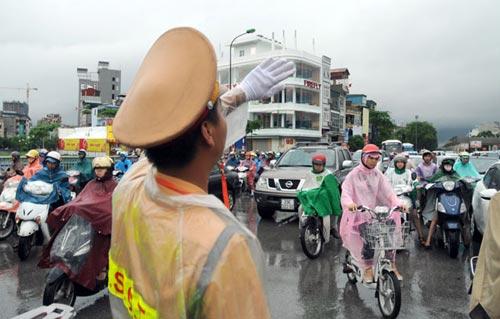 Hà Nội: Mưa lớn, nhiều tuyến đường ùn tắc cục bộ - 5
