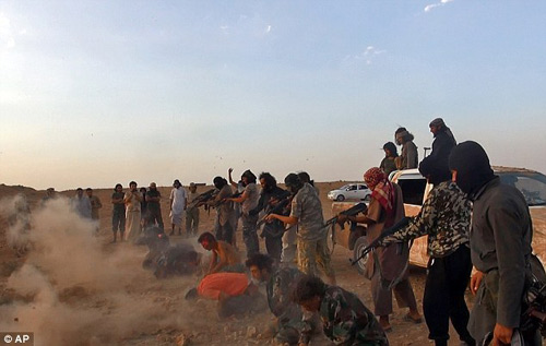 Phiến quân IS lột truồng, xử tử 250 binh sĩ Syria - 4
